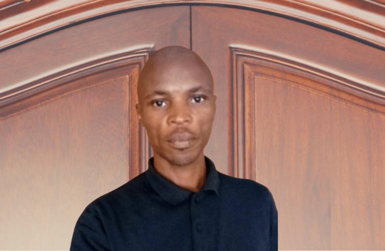 Uneminyaka ewu-10 aqala ibhizinisi lokwenza izicathulo namabhande kwesikhumba kodwa usazishayela ngonyawo lonwabu ekukhuliseni ibhizinisi njengoba ethi akajahe ndawo. Uxoxe noSLINDILE KHANYILE